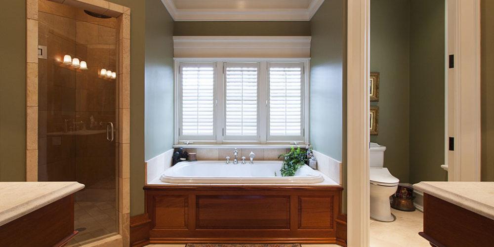 Built-In Bath Tub